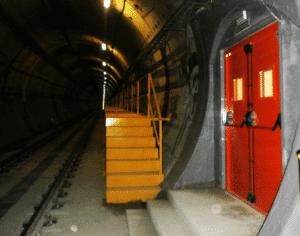 Puerta de seguridad tunel tuntek